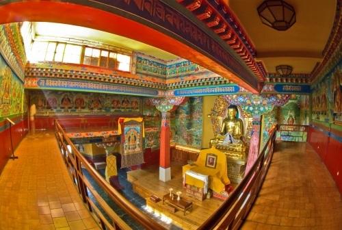 Deden-Tsuglagkhang